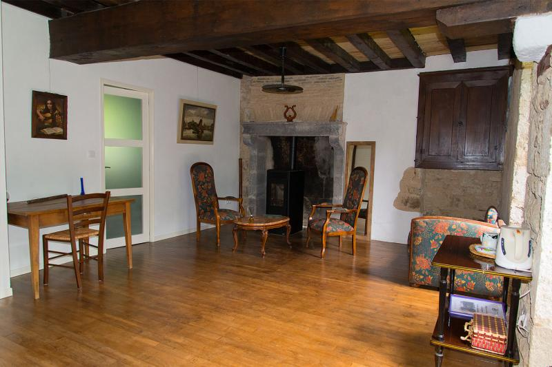 Mini paradijsje in midden frankrijk charmante zeer ruime kamer in molenaarswoning - Midden kamer trap ...