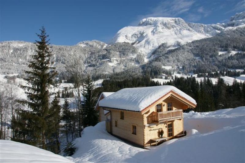Luxe vakantie huis aan de piste gelegen in het for Huis aan de piste oostenrijk